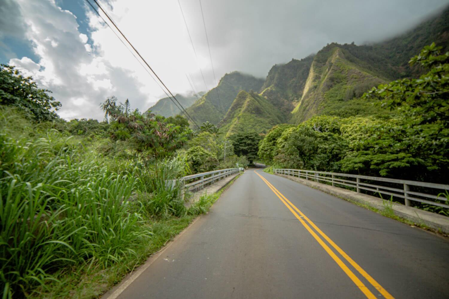 Road to I'ao Valley State Park near Wailuku, HI