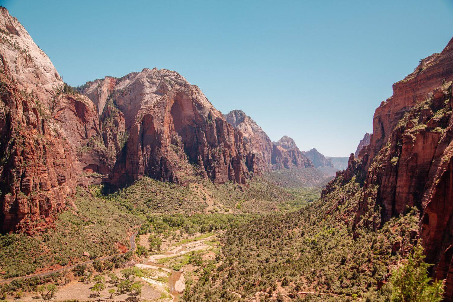 Lookout of Zion National Park on Angels Landing Hike