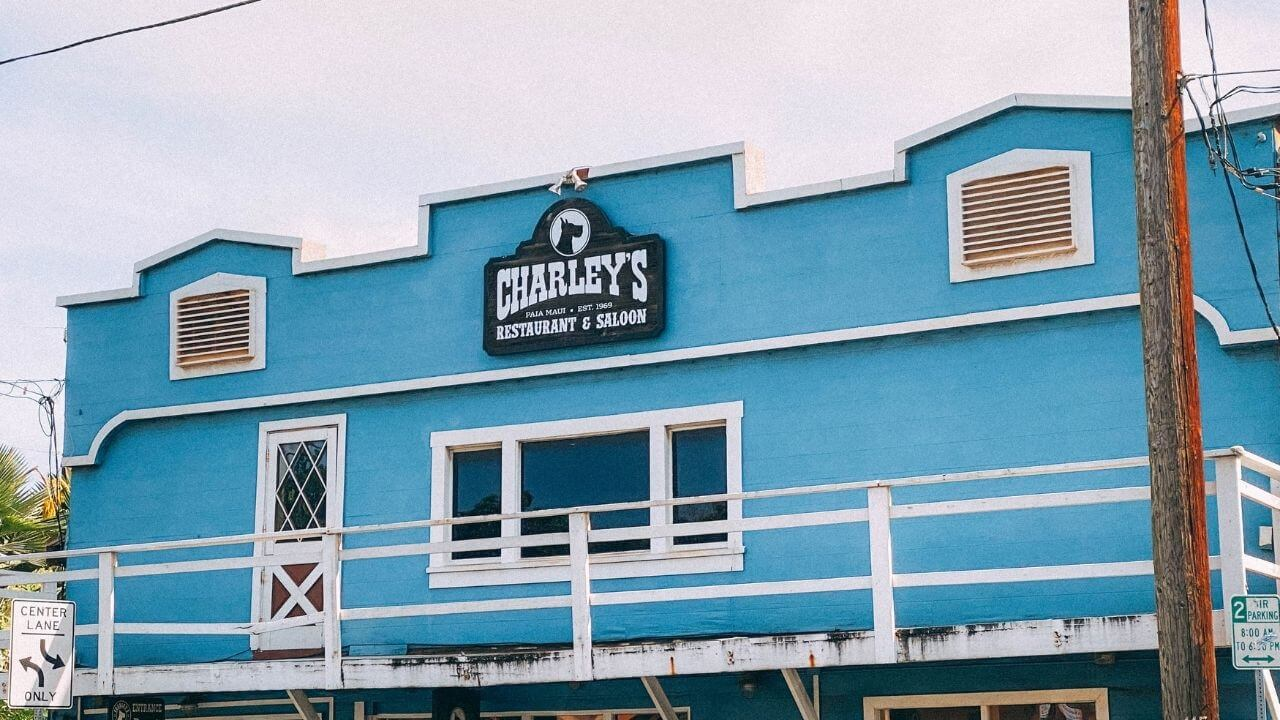 Charleys bar in Paia