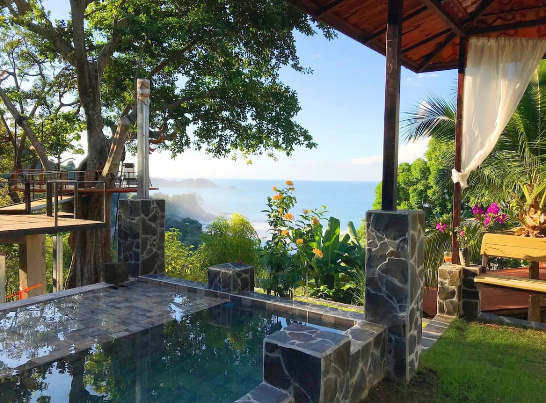 Treehouse Airbnb in Costa Rica