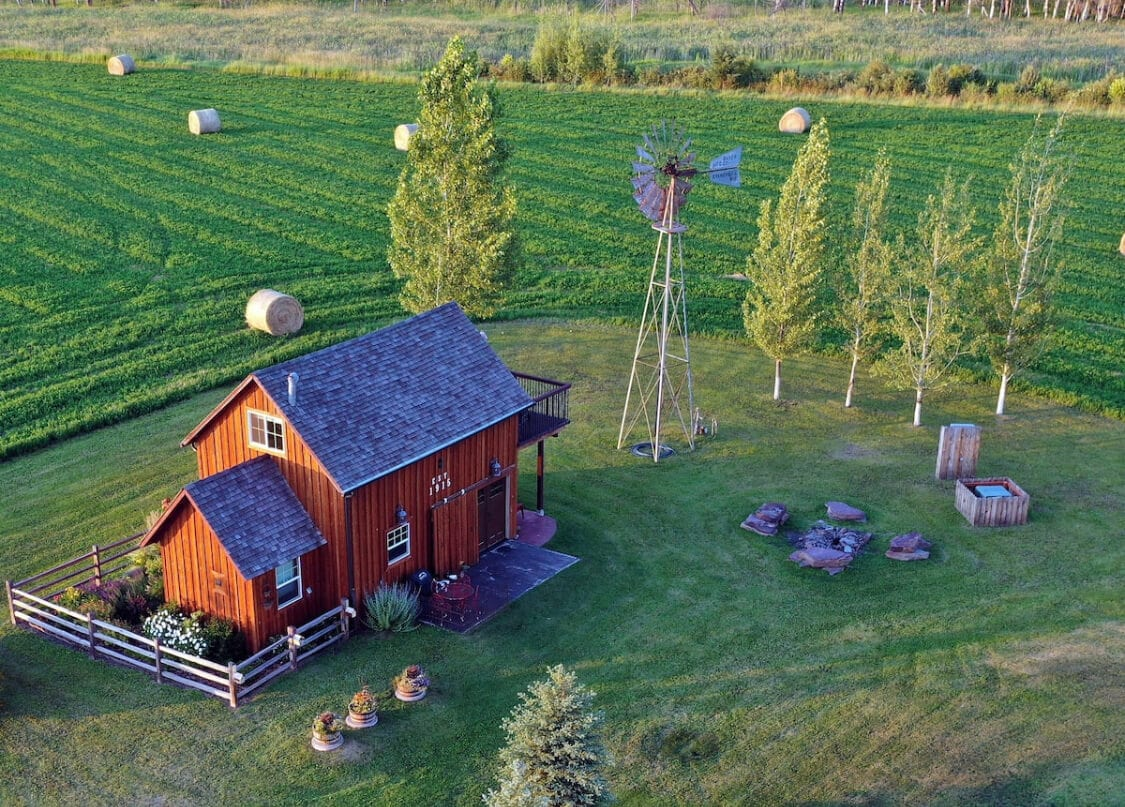 A beautiful restored barn in Montana for Airbnb