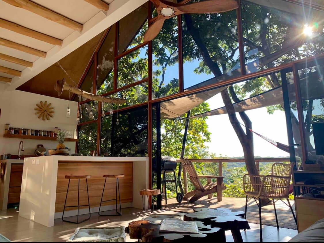 Hugues Treehouse Airbnb in Costa Rica