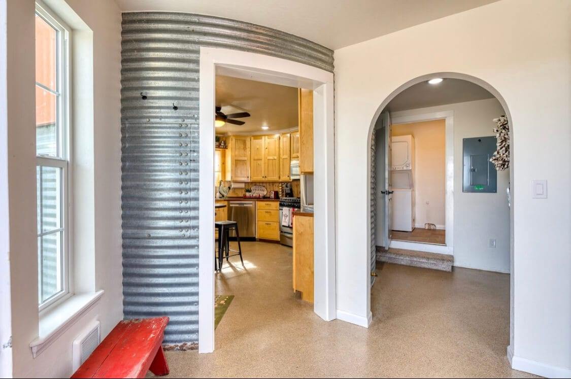 The silo Airbnb in Montana